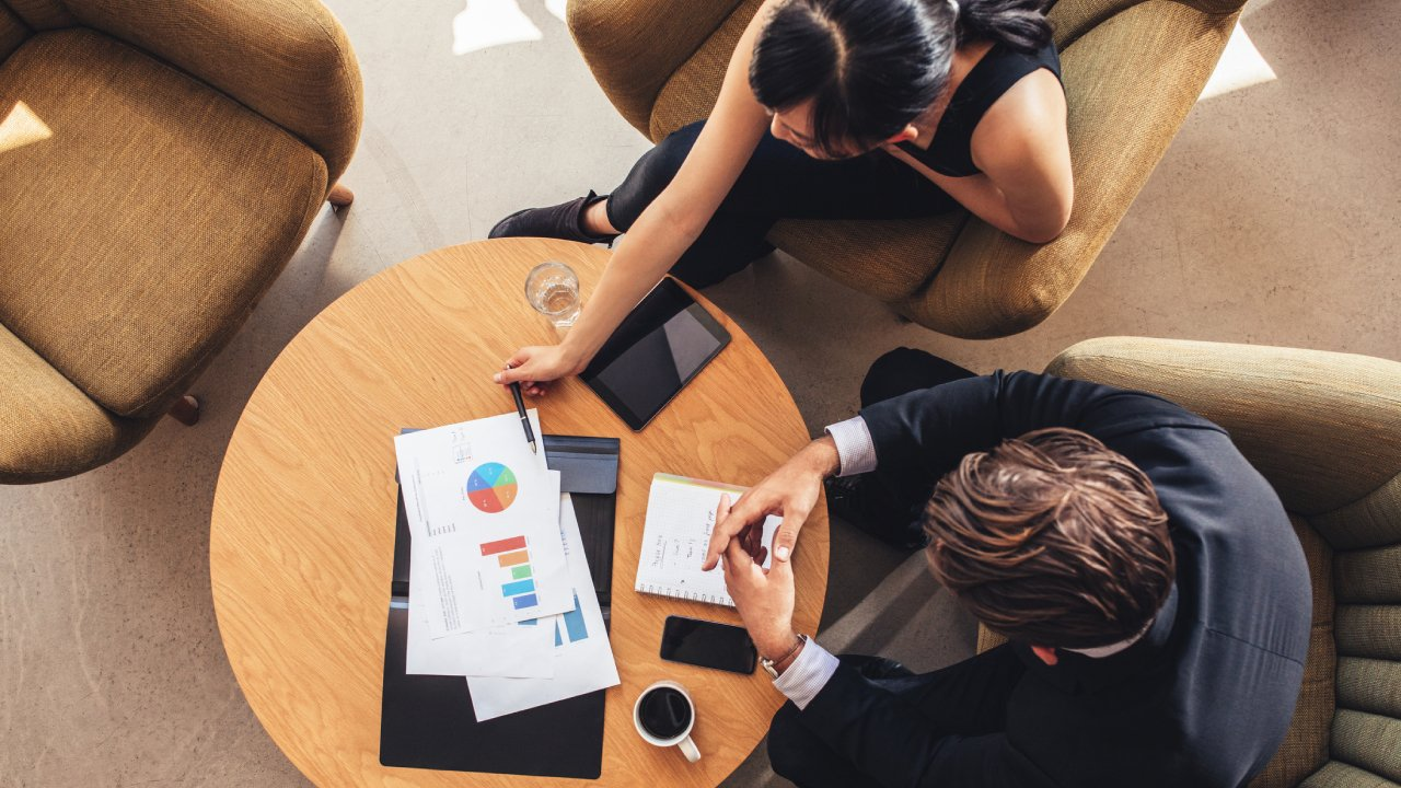 What to Look for When Hiring a Financial Advisor