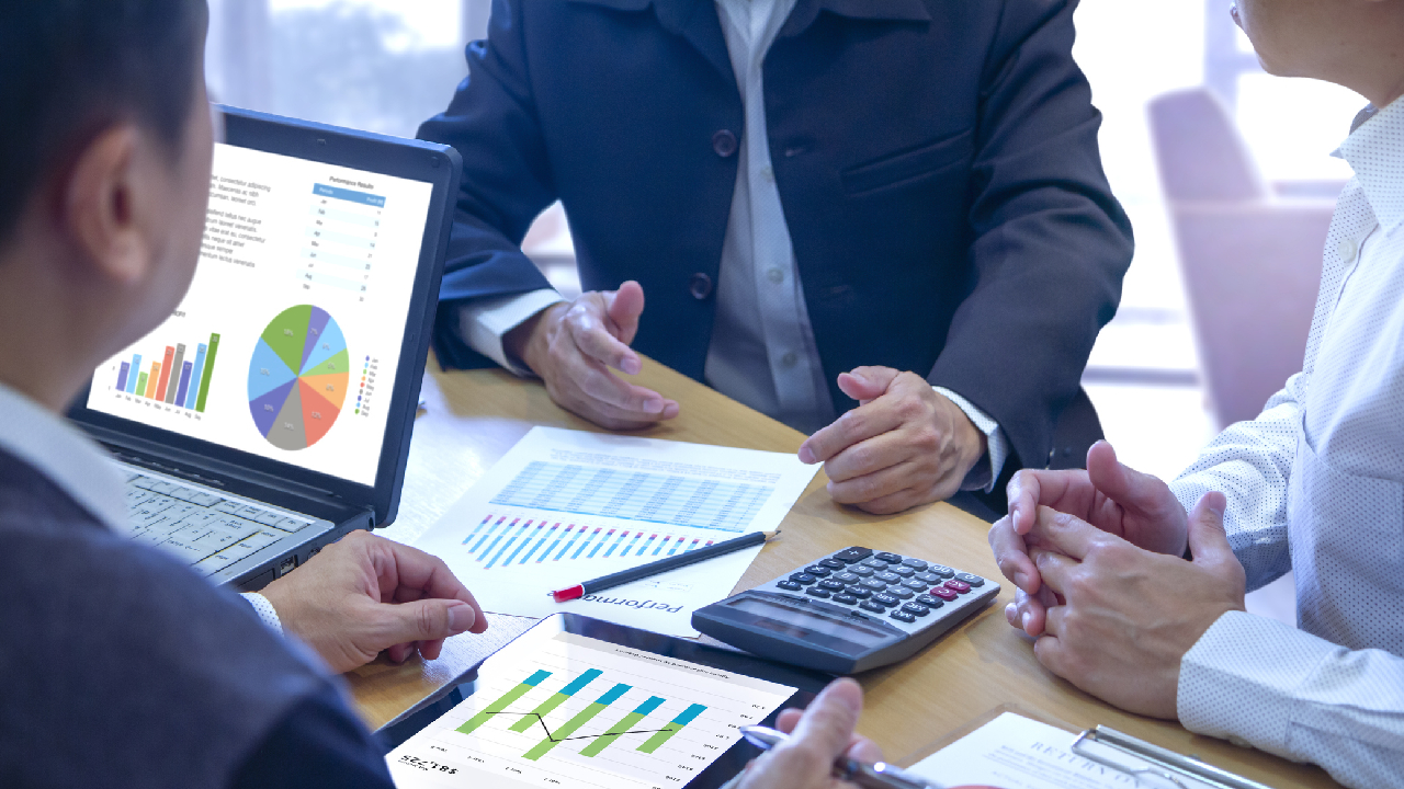 Behavioral Finance: Investors React Emotionally, Irrationally